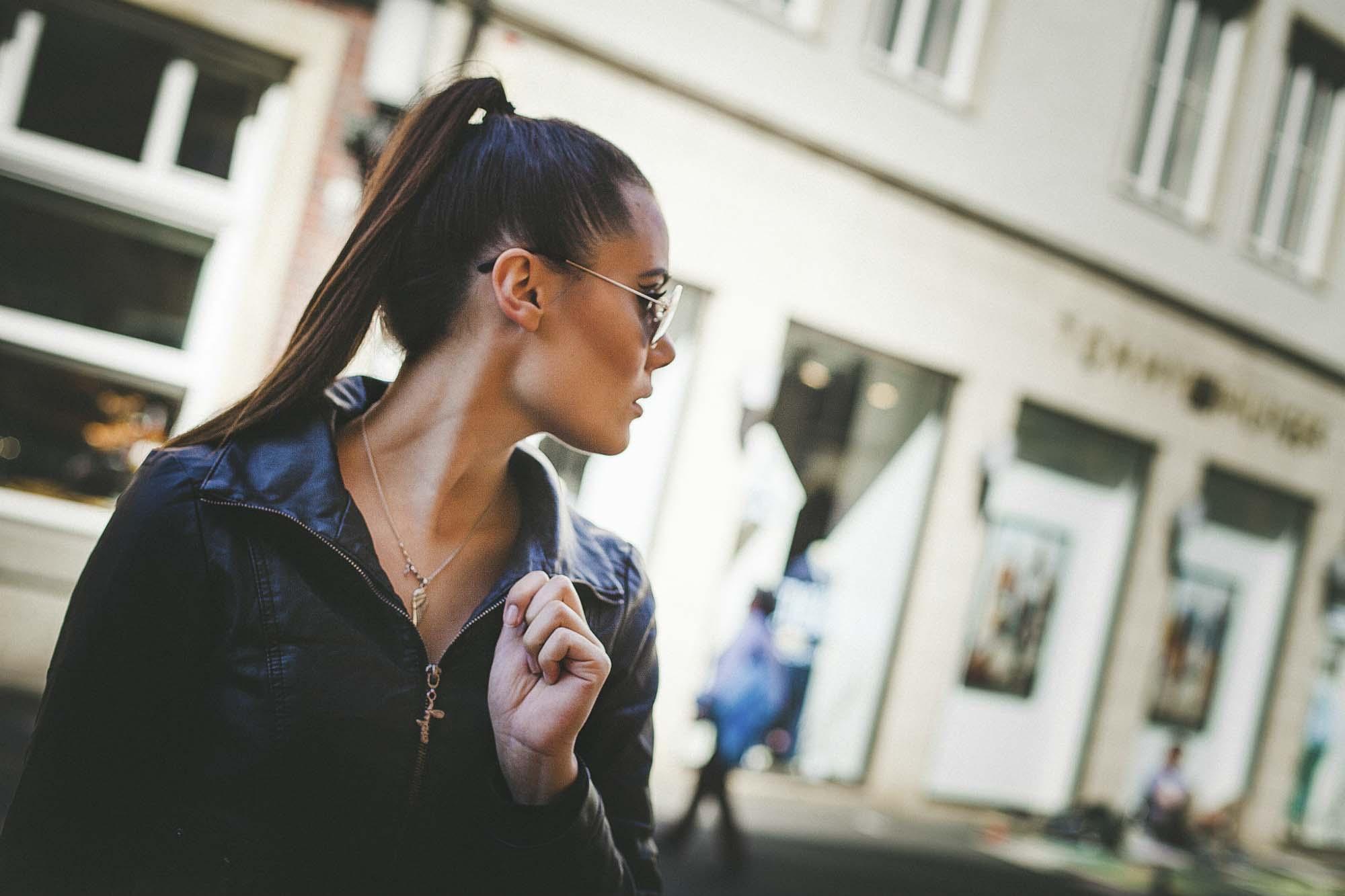 Fotograf Köpenick Portraits von Laura Kindt in der Stadt